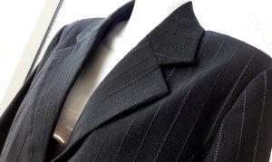 Nadelstreifen Anzug