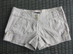 Nadelstreifen-Shorts in beige