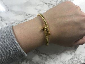 Nagel Armband Armreif Goldfarben