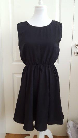Nagelneu Zalando kleine schwarze Kleid mit Schleifen am Rücken (NEU!)