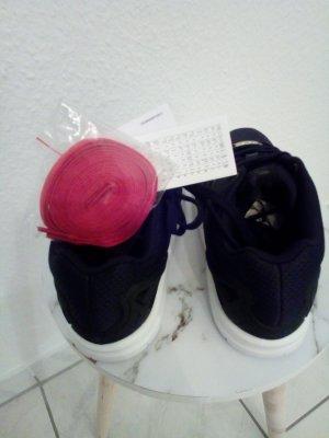 Nagelneue Adidas ZX Flux Schuhe