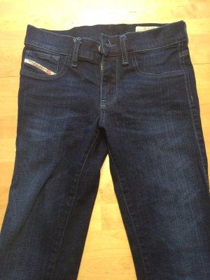 Nagelneue Diesel-Jeans Modell: Livier, Größe 26