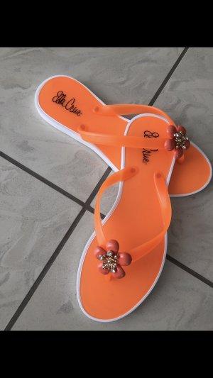 Nagelneue Flip Flops
