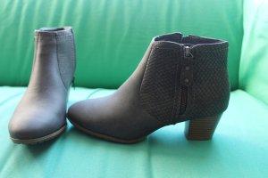 Nagelneue graue Stiefeletten in Jeans-Optik