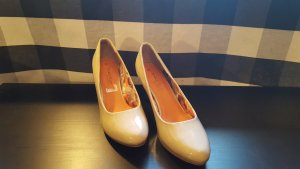 Nagelneue Marco Tozzi Pumps in Lack-Optik