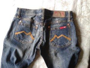 Nagelneue Mustang-Jeans 27/34