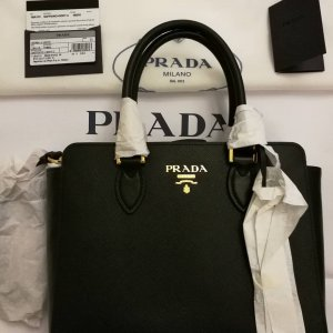 Nagelneue Prada Tasche