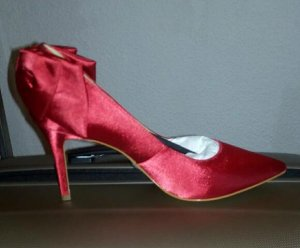 Nagelneue Pumps von Buffalo N.P 120