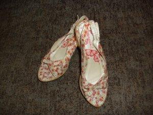 nagelneue Sandaletten mit Keilabsatz Gr. 40