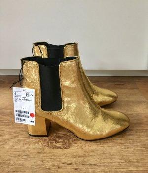 Nagelneue Schuhe von H&M