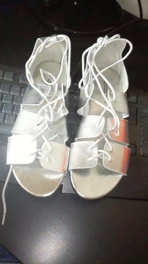 H&M Divided Sandalias romanas color plata-beige