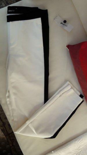 Nagelneue Smokinghose Gr. 36 weiß mit schwarz