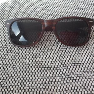 Nagelneue Sonnenbrille, nicht getragen