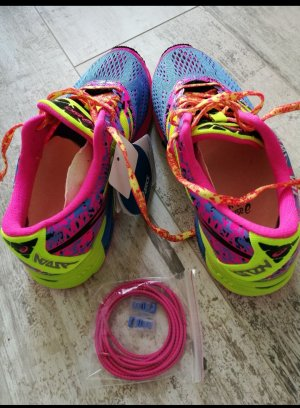 Nagelneue Sport Schuhe von Asics