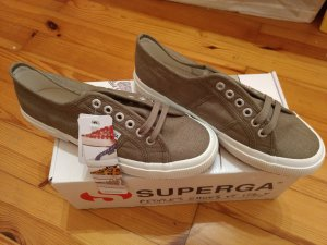 Nagelneue Superga 2750
