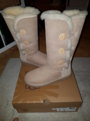 Nagelneue, ungetragene Ugg-Boots (Farbe: Sand) in Größe 40