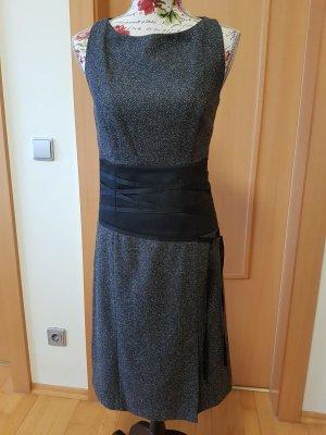 Nagelneues elegantes Kleid mit Schnürungen, S.Oliver Selection Gr. 36 ca062747a7