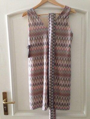 Nagelneues Kleid von Ana Alcazar Missoni Style