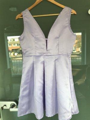 Nagelneues schönes Kleid in Größe M