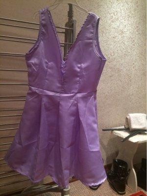 Nagelneues schönes Kleid in Größe S/M