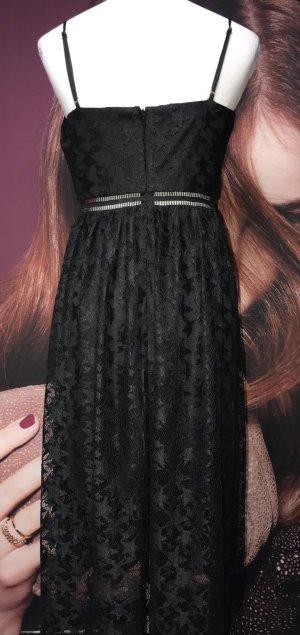 Nagelneues Schwarzes Kleid