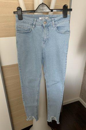 Nakd Jeans cigarette bleu azur-bleu pâle