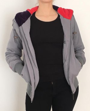 NAKETANO warme Jacke in Grau mit bunten Details