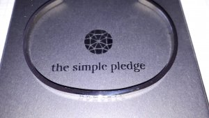 Namaste Armreif The Simple Pledge