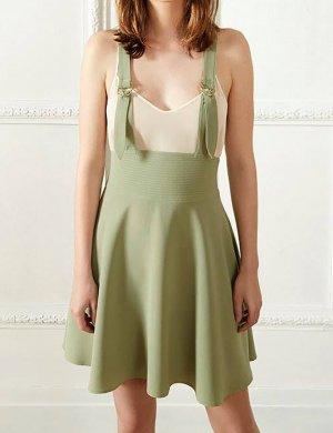 Falda con tirantes verde grisáceo