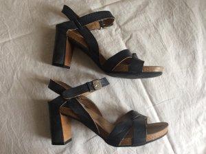 Naturgefärbte Sandaletten von Scholl
