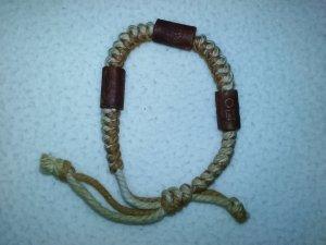 Naturoptik Armband mit Holzperlen und grobem Band verstellbar