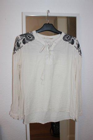 Naturweiße Boho-Bluse mit Stickerei und Schnürung