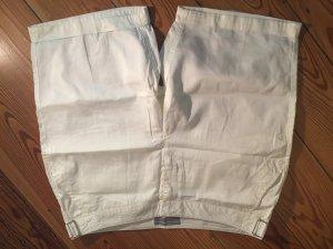 Naturweiße Shorts, ungetragen