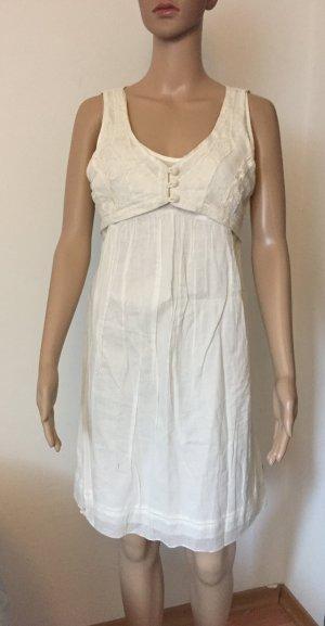 naturweißes Kleid mit Stickapplikation