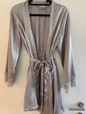 Negligee silver-colored