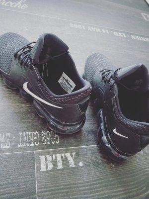 100% Fashion Pointed Toe Pumps black