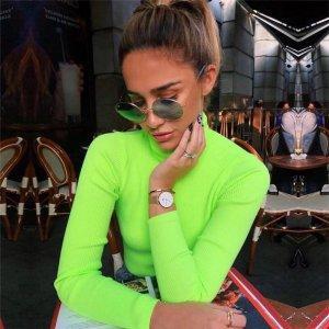 Neon grüner Rollkragenpullover