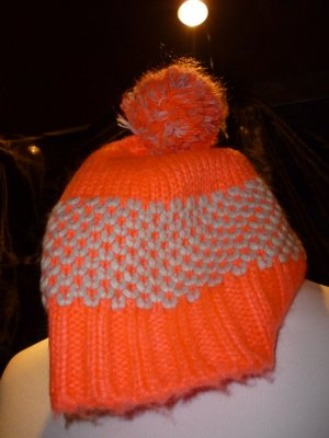 Neon-pinke Mütze von Promod