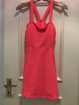 neon pinkes Sommerkleid