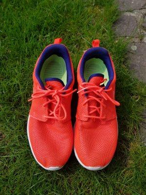 Neonorange Nike Sportschuhe