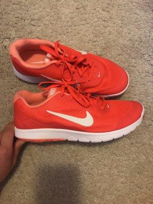 neonorange Sneaker von Nike