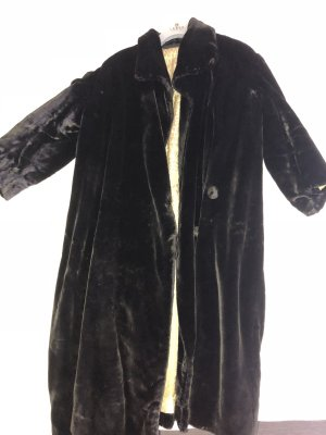 Abrigo de invierno negro-marrón oscuro