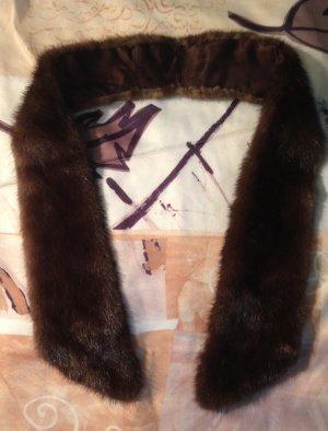 Stole brown pelt