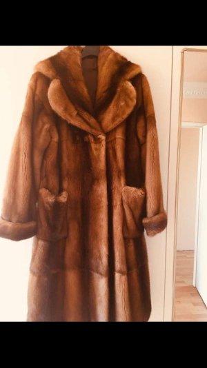 Manteau de fourrure cognac