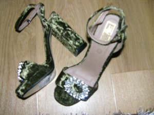 Truffle Collection Strapped High-Heeled Sandals dark green