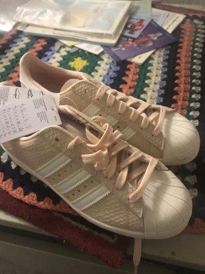 Neu Adidas in Rose