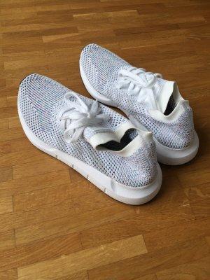 Neu! Adidas sneaker Laufschuh Run Swift Primeknit weiß Gr. 39 1/3