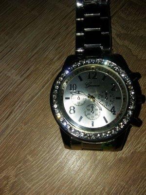 Neu, Armbanduhr sehr schick