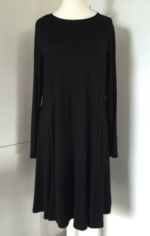 NEU - Ausgestelltes Jersey-Kleid in Schwarz - von ASOS Curve / Gr. EU 48