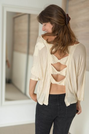 Cropped shirt room